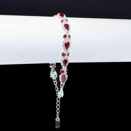 Bracelet de mariage rouge, Carmen